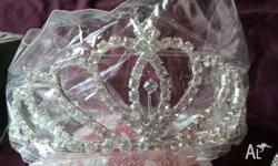 In original packing, looks elegant like a princess!