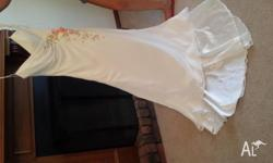 Beautiful slimline fitted size 10 wedding dress with