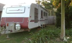 25ft Spaceland 2000 For Sale 4 Berth Dual Axle well