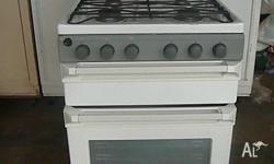 Excellent quality and condition gas oven Features: