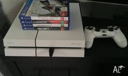 I'm selling my white 500GB PS4, in absolute immaculate