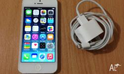 WHITE APPLE IPHONE 5 32GB FOR SALE ( UNLOCKED) IPHONE