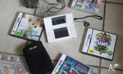 DS Console & 4 games + Ds Case & charger DS works fine