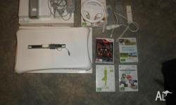 For sale hardly used WII console bundle WII console 2
