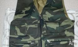 Woodland camo vest for sale! - Size M - Material: