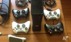 Xbox 360 250 gb 4 controllers 2 charge cables Keyboard