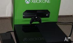 Xbox one console 4 months old (No Kinect) Good