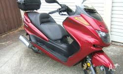 Yamaha Majesty Scooter (250cc Auto) in good condition a