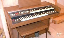 Yamaha organ in good working condition. Nothing wrong