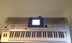 Yamaha psr-or700 very clean everything working