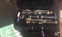 Hardly used clarinet in excellent condition. My