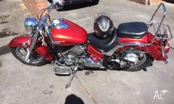 Yamaha V-Star 650 classic with Ventura rack. Learner