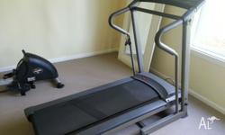 York Pacer 3502 foldable treadmill in excellent